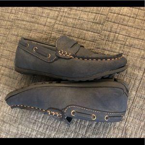 Boys Super Comfy Steve Madden loafers gently used
